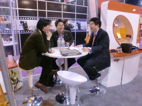 20101228-2010ces-with-feng.JPG